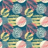 Modello esotico senza cuciture con le foglie di palma su fondo geometrico Fotografia Stock