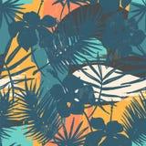 Modello esotico senza cuciture con le piante tropicali ed il fondo artistico Fotografie Stock