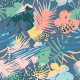 Modello esotico senza cuciture con le piante tropicali ed il fondo artistico Fotografia Stock