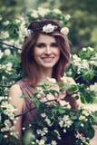 Modello felice Girl Smiling della primavera Fotografia Stock Libera da Diritti