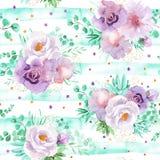 Modello floreale dell'acquerello senza cuciture nel verde della menta e nei colori viola rosso-chiaro fotografie stock libere da diritti