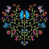 Modello floreale piega etnico nella forma del cuore su fondo nero Fotografia Stock