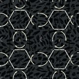 Modello geometrico senza cuciture con le cinghie ed i fermagli Stampa complessa di vettore in nero, in grigio ed in bianco royalty illustrazione gratis