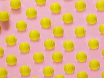 Modello giallo della pallina da tennis immagini stock libere da diritti