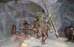 Modello a grandezza naturale di preistorico umano al dinotopia Siam Park City fotografia stock