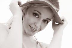 Modello grazioso del cappello fotografie stock libere da diritti