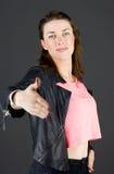 Modello isolato sulla mano normale di saluti del fondo Fotografie Stock