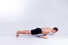 Modello maschio di yoga Fotografia Stock