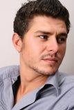 Modello maschio nel Grey Fotografia Stock Libera da Diritti