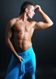 Modello muscoloso Fotografia Stock Libera da Diritti