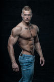 Modello muscoloso con inchiostro Immagini Stock Libere da Diritti