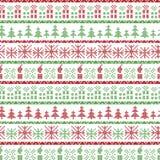 Modello nordico di Natale verde e rosso nell'inclusione dei regali di natale, candele, fiocchi di neve, stelle, ornamenti decorat Fotografia Stock