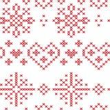 Modello nordico senza cuciture di natale con i cuori dei fiocchi di neve delle stelle Fotografie Stock