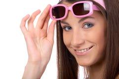Modello in occhiali da sole dentellare Fotografie Stock