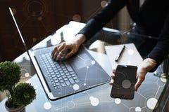 Modello per testo, fondo di schermo virtuale con le icone Affare, tecnologia di Internet e concetto della rete immagine stock