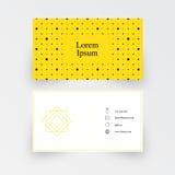 Modello semplice moderno del biglietto da visita, modello geometrico, fondo giallo Fotografia Stock Libera da Diritti