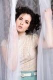 Modello sensuale del brunette in camicetta del merletto Fotografia Stock Libera da Diritti