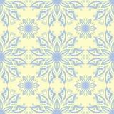 Modello senza cuciture beige floreale Fondo beige con le progettazioni blu-chiaro e verdi del fiore Illustrazione di Stock