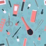 Modello senza cuciture con gli accessori e gli strumenti per il manicure ed il pedicure Immagini Stock Libere da Diritti