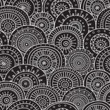 Modello senza cuciture con gli ornamenti d'avanguardia del cerchio di boho tribale etnico Fotografia Stock