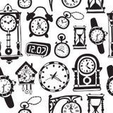 Modello senza cuciture con gli orologi e gli orologi di scarabocchio Immagine Stock
