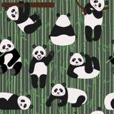 Modello senza cuciture con gli orsi di panda divertenti, illustrazione di vettore royalty illustrazione gratis