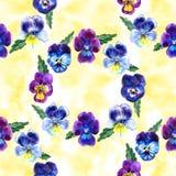Modello senza cuciture con i fiori e le foglie della pansé Illustrazione dell'acquerello Fondo di estate Fotografie Stock