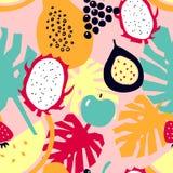 Modello senza cuciture con i frutti tropicali - melone; frutta del drago; papaia; fragola; mela; uva; frutto della passione royalty illustrazione gratis