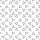 Modello senza cuciture con i triangoli disegnati a mano royalty illustrazione gratis