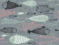 Modello senza cuciture con il pesce sveglio disegnato a mano nello stile di schizzo royalty illustrazione gratis