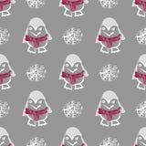Modello senza cuciture con l'animale del pinguino in maglione rosso sveglio Uccello polare divertente di inverno di struttura sen Fotografia Stock