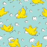 Modello senza cuciture con l'uccello giallo che sale nelle nuvole Immagine Stock