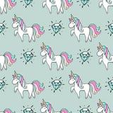 Modello senza cuciture con l'unicorno ed il diamante disegnati a mano Fotografia Stock