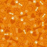Modello senza cuciture con la stampa, l'osso ed i cuori della zampa del cane BAC arancio illustrazione vettoriale