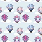 Modello senza cuciture con le mongolfiere royalty illustrazione gratis