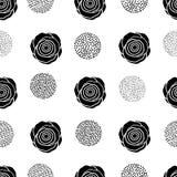 Modello senza cuciture con le rose ed i cerchi neri sul backg bianco Immagine Stock Libera da Diritti