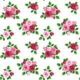 Modello senza cuciture con le rose rosse e rosa su bianco. Fotografia Stock Libera da Diritti