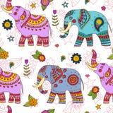 Modello senza cuciture degli elefanti di scarabocchio Fotografie Stock
