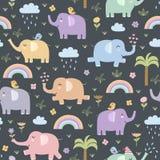 Modello senza cuciture degli elefanti divertenti royalty illustrazione gratis