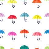 Modello senza cuciture degli ombrelli variopinti dell'acquerello Fotografie Stock