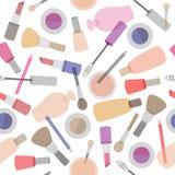 Modello senza cuciture dei cosmetici decorativi su fondo bianco Fotografia Stock