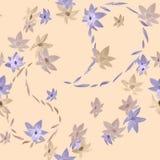Modello senza cuciture dei fiori beige e viola con i profili di Paisley su un fondo beige leggero watercolor Immagini Stock