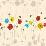 Modello senza cuciture dei fiori rossi, blu, gialli, verdi e beige su un fondo beige leggero watercolor Fotografia Stock