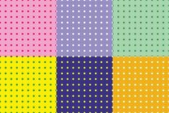 Modello senza cuciture dei piselli su fondo colourful illustrazione di stock