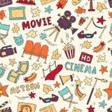 Modello senza cuciture del cinema con gli elementi disegnati a mano Fotografie Stock