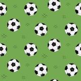 Modello senza cuciture del pallone da calcio per fondo, web, elementi di stile Fondo verde Abbozzo disegnato a mano Vettore di sp royalty illustrazione gratis