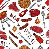 Modello senza cuciture del partito della griglia del BBQ di estate Scatola di birra, bottiglia e tazza, bistecca, salsiccia, grig Immagini Stock Libere da Diritti