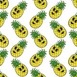 Modello senza cuciture dell'ananas giallo Immagine Stock Libera da Diritti