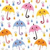 Modello senza cuciture della pioggia di vettore delle gocce di pioggia sveglie degli ombrelli Fotografia Stock