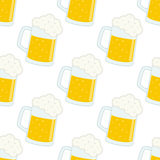 Modello senza cuciture della tazza o di Lager Beer Glass Immagine Stock Libera da Diritti